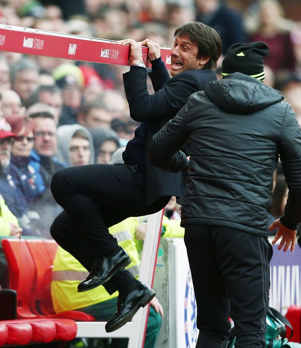 PAY-Chelsea-manager-Antonio-Conte-celebrates-his-teams-goal-to-make-it-1-2-during-the-Premier-League-mat.jpg.a099069f1044a7ca01ab18125c78e7e5.jpg