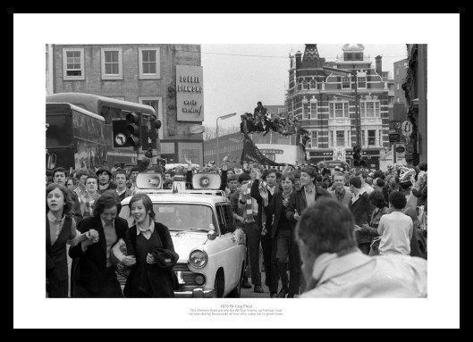 Chelsea-1970FACupBusSupporters-finalprint-RE19705.jpg